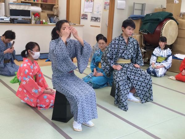 歌舞伎稲荷神社 銀座にある歌舞伎座で御 …